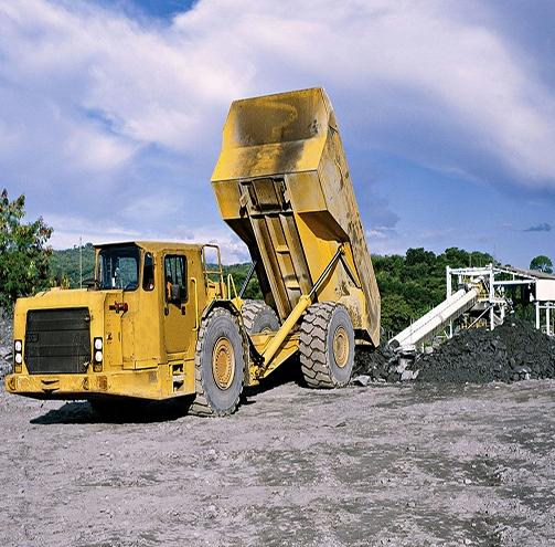 矿山铲运机作业现场